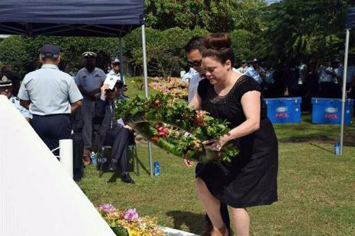 Laying a wreath at the Memorial (Photo OAG)